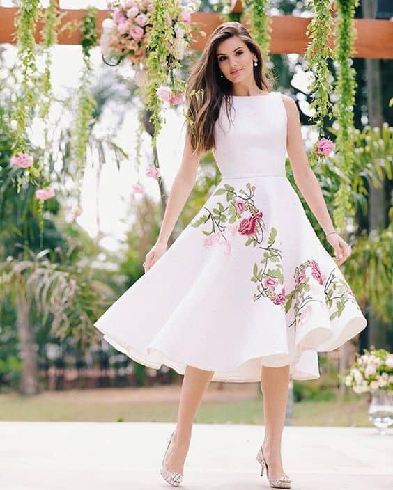 vestido de noiva rodado para casamento civil durante o dia