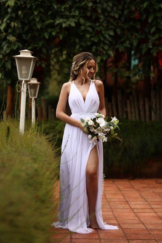 vestido de noiva longo para casamento civil durante o dia