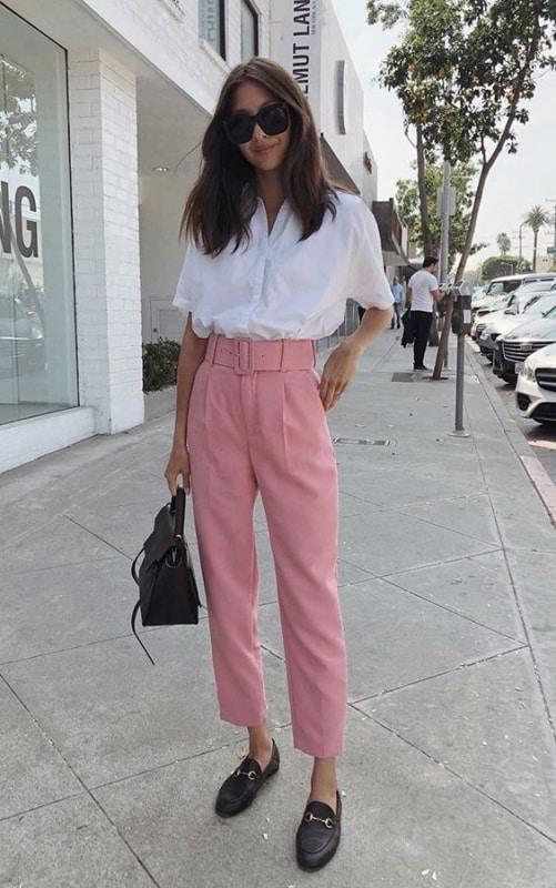 look com calça de alfaiataria de cintura alta com cinto