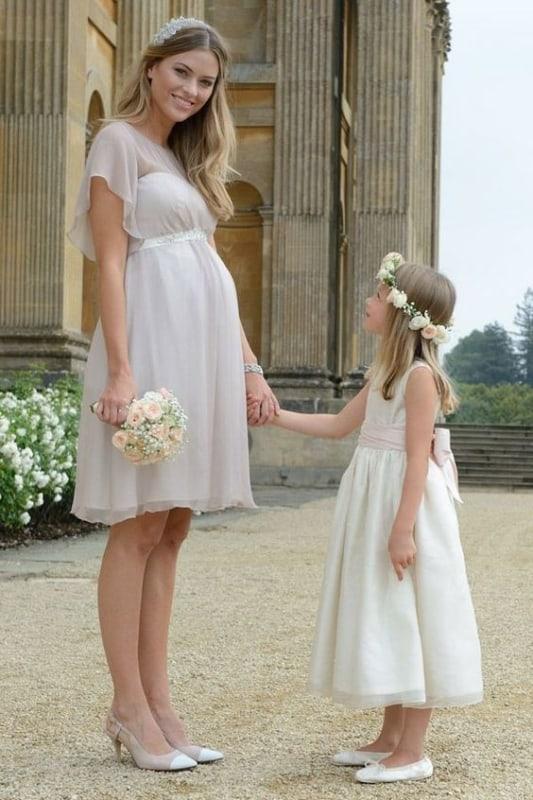 vestido de noiva branco gelo para gestante