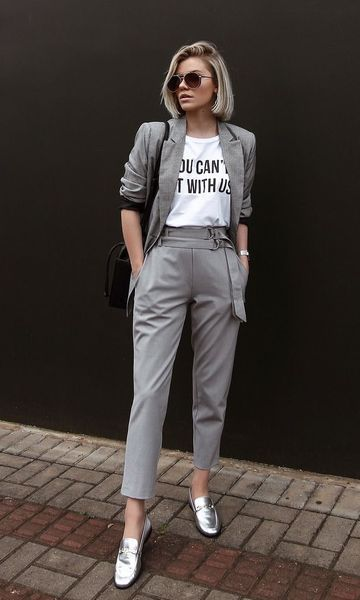 look com calça social cinza e terninho feminino