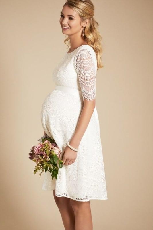 vestido em renda para noiva grávida