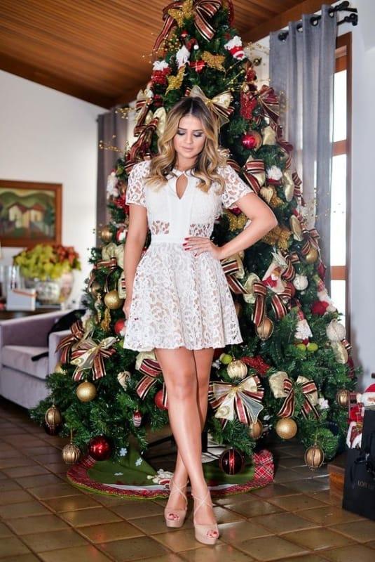look de ano novo com vestido branco curto