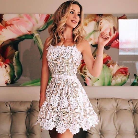 look de reveillon com vestido branco curto
