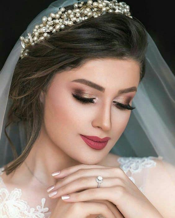 maquiagem com sombra dourada para noiva