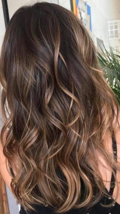 Balaiagem caramelo em cabelo longo1