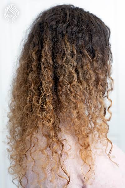 Balaiagem em cabelo cacheado53