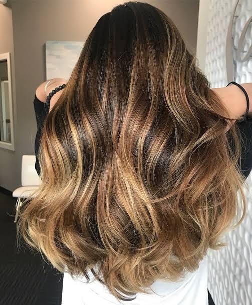 Balaiagem mel em cabelo longo11