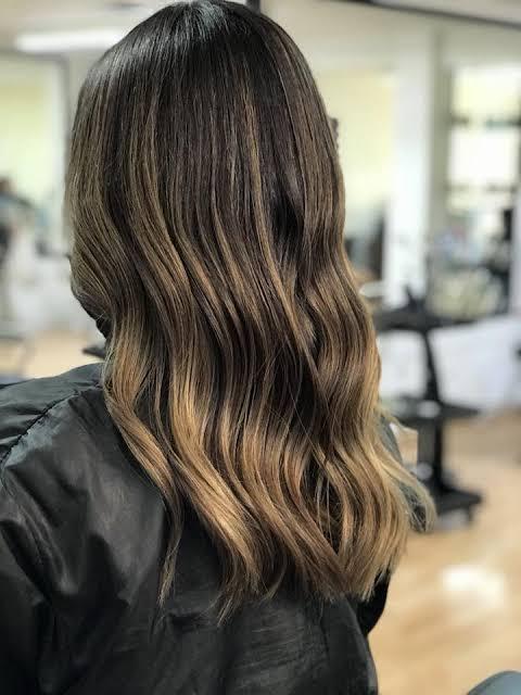 Balaiagem mel em cabelo médio16