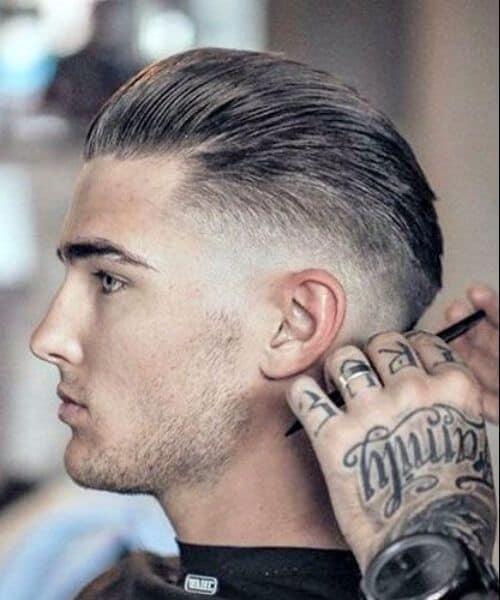 Barba por Fazer e cabelo degrade