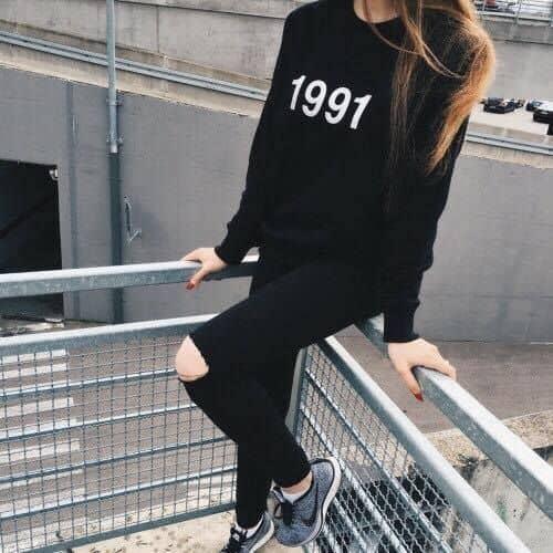 Calça preta e moletom Tumblr