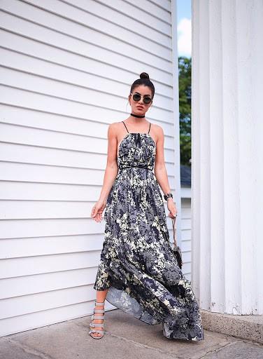 Camila Coelho com vestido longo estampado 1