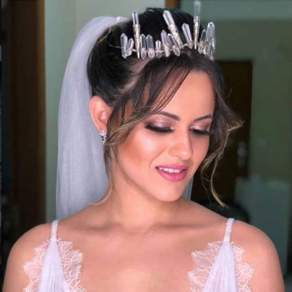 Coroa com cristais para noivas que desejam algo diferenciado