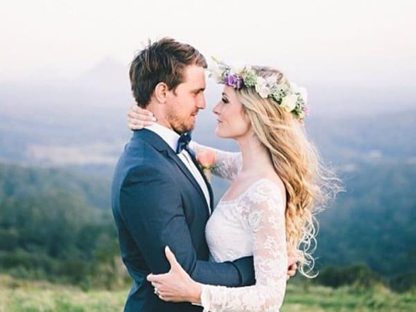 Coroa de flores é tendência em casamentos de dia