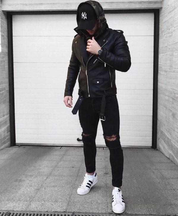 Look alternativo com tênis branco masculino