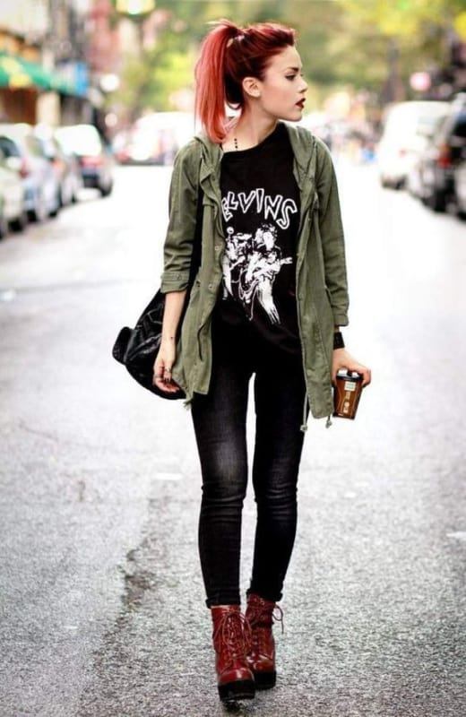 Look rock and roll com parka verde militar