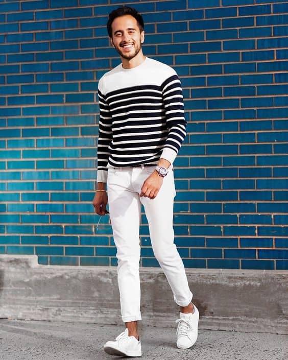 Look simples e casual com tênis branco masculino