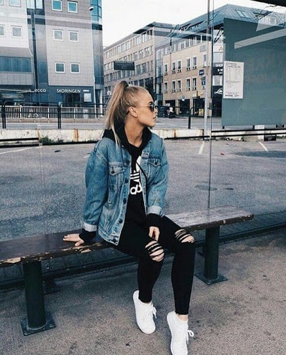 Look tumblr com blusa de moletom Adidas preta