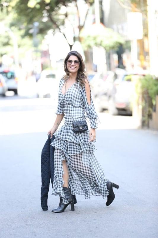 Modelo de vestido longo xadrez bem levinho