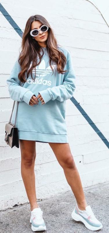 Moletom Adidas compridinho bem estiloso