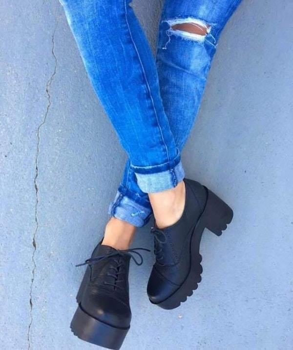 Sapato oxford com sola tratorada na preta
