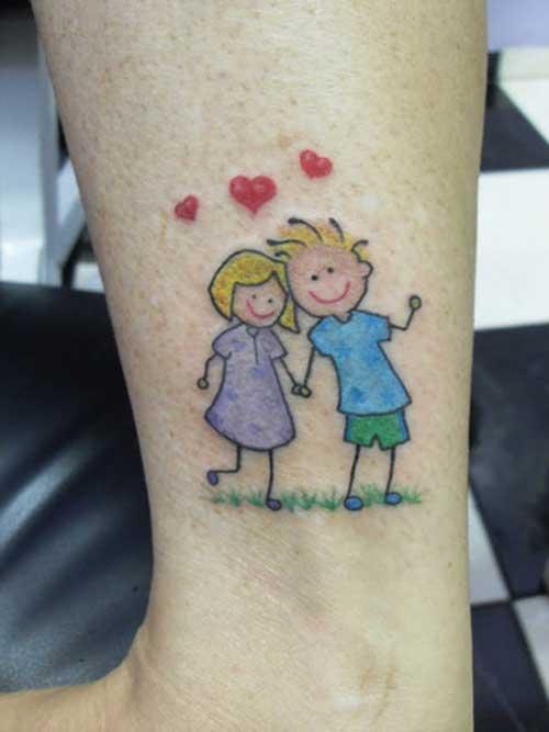Tatuagem de bonequinhos para casal coloridos