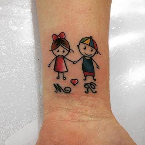 Tatuagem de bonequinhos para casal