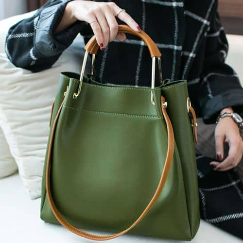 Tote bag verde de couro com alças marrons