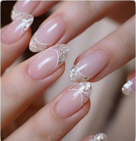 Unhas para noivas com glitter nas pontas
