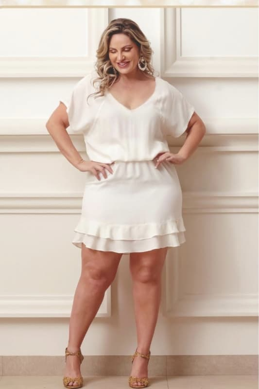 Vestido curtinho plus size off white