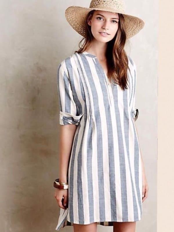 Vestido de linho com listras verticais