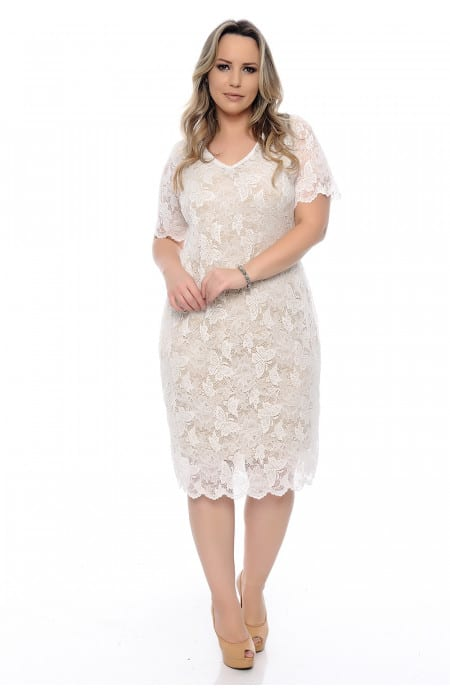 Vestido de renda plus size cor off white