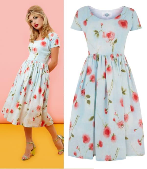 Vestido floral rodado tipo anos 60