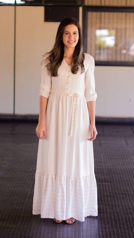 Vestido longo off white com manga 3 4