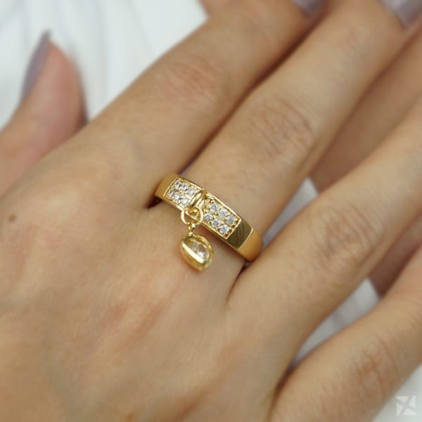 anel com pingente coracao e strass