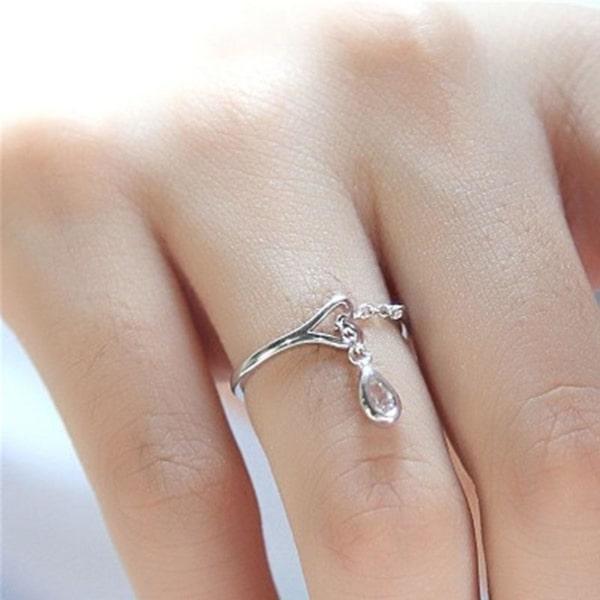 anel com pingente pedrinha