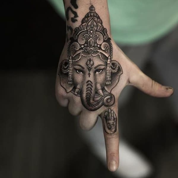 como fazer Tatuagem Ganesha na mão