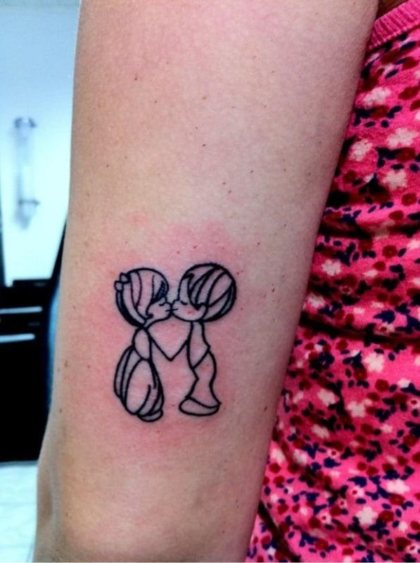 ideias de Tatuagem de bonequinhos para casal