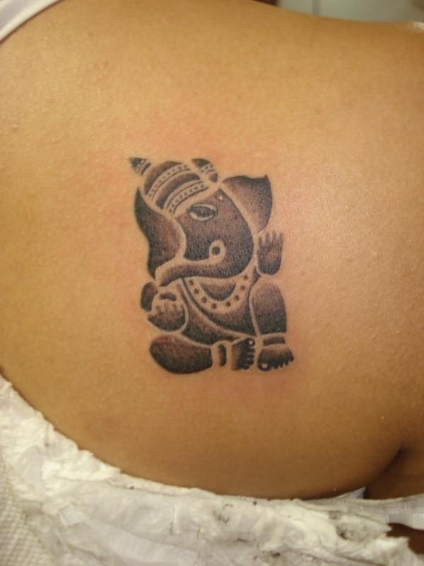 linda Tatuagem Ganesha delicada