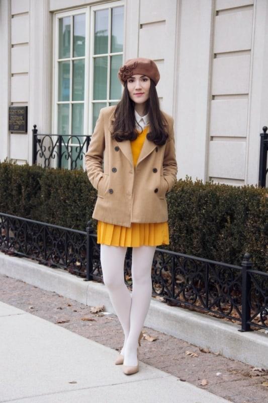 meia calça branca com saia drapeada