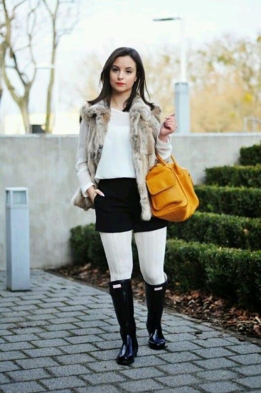 meia calça branca com short e bota