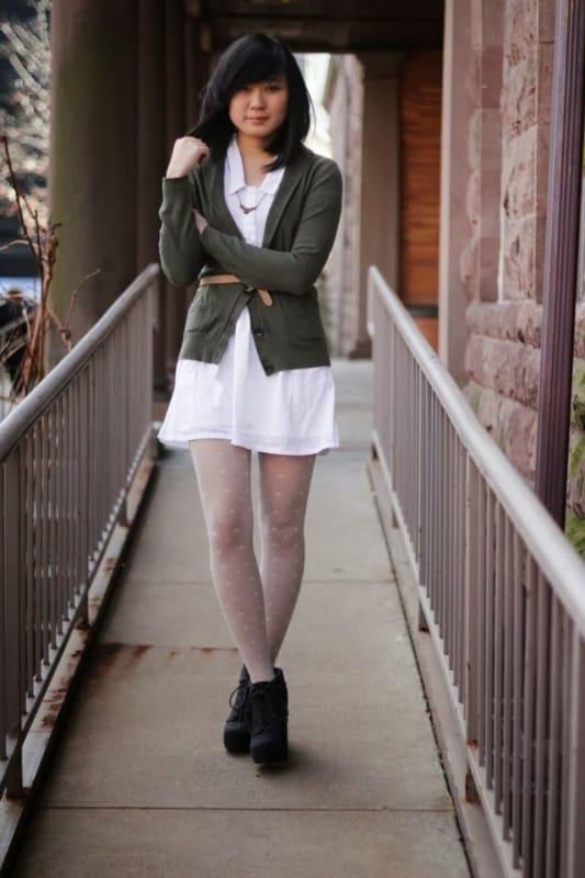 meia calça branca com vestido branco