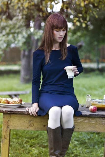 meia calça branca com vestido e botas