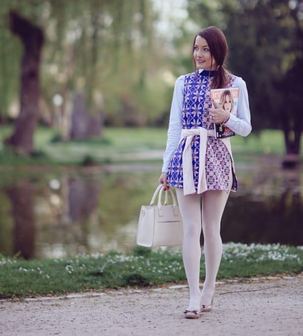 meia calça branca com vestido estampado