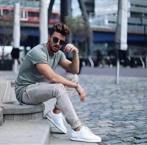 tênis branco masculino com calça