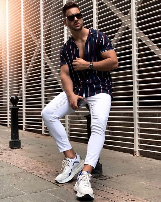 tênis branco masculino look moderno