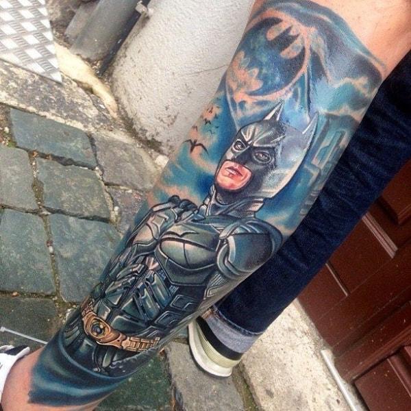 tatuagem Batman na perna