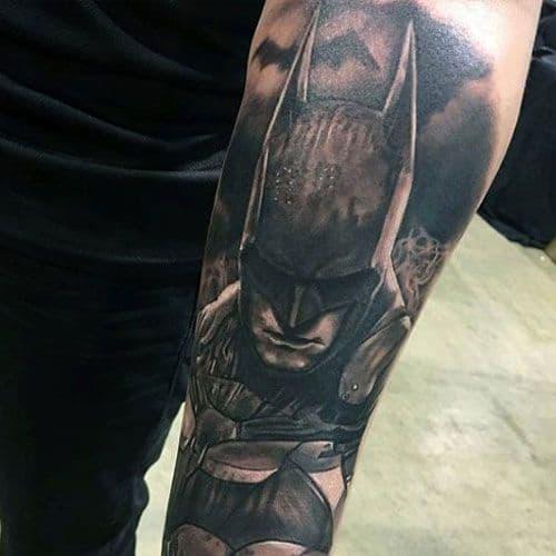 tatuagem Batman no braço