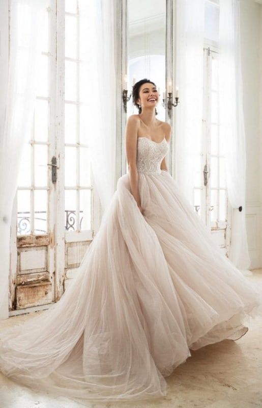 vestido de noiva modelo princesa simples 26