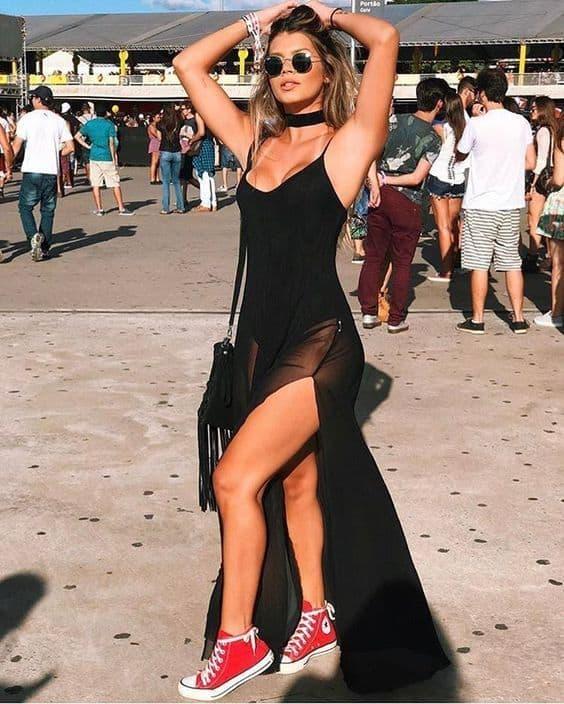 look Rock in Rio com vestido preto